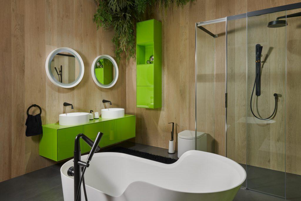 Moderní koupelna vevysokém lesku