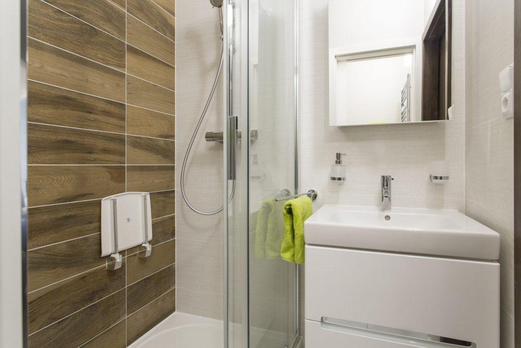 Přestavba malé panelákové koupelny