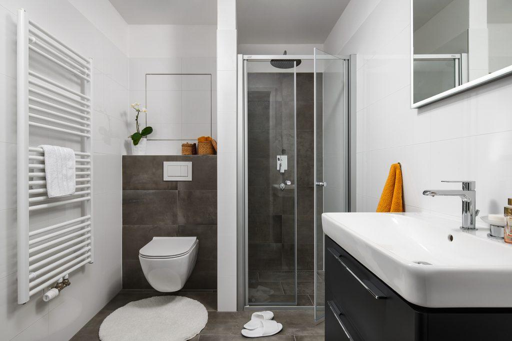 Nadčasová praktická koupelna
